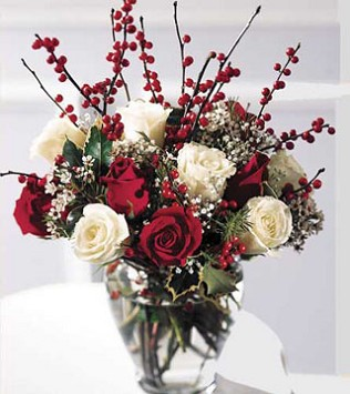 FTD's Holiday Romance Bouquet